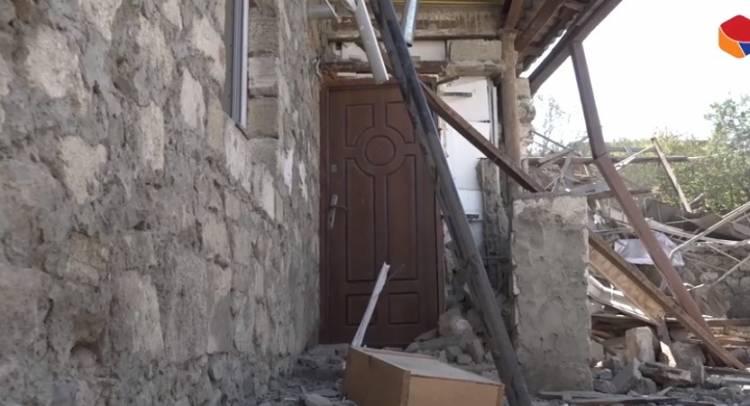 Հոկտոմբերի 17-ի հրթիռակոծության հետևանքով վնասվել է Ստեփանակերտի բնակիչ Սվետլանա Բաղդասարյանի տունը