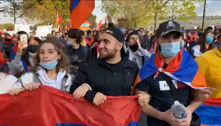 Հայերի բողոքի ակցիան՝ Փարիզում